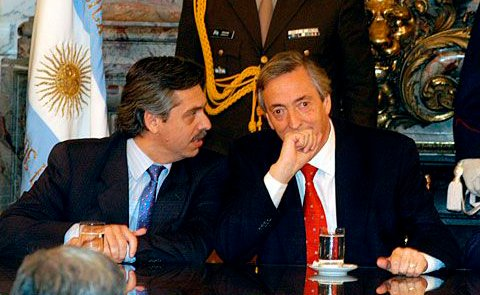 El ex presidente Néstor Kirchner junto a Alberto Fernández