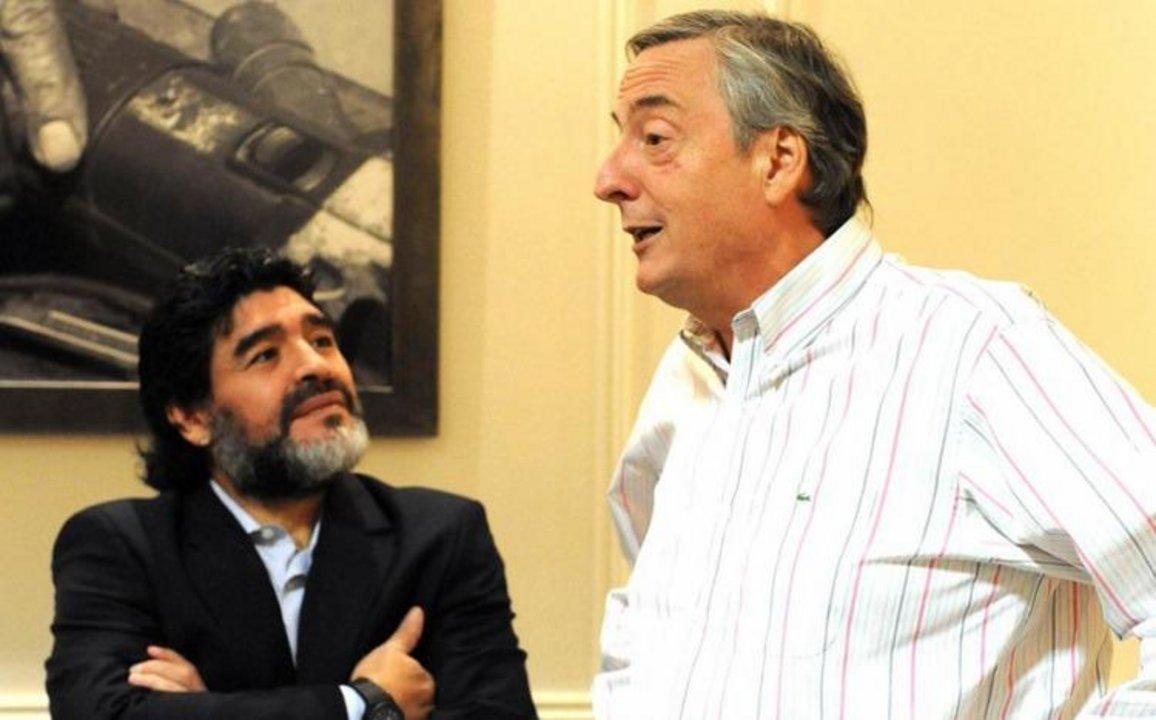Diego Armando Maradona junto al ex presidente Néstor Kirchner en Olivos - Viernes 17 de septiembre de 2010