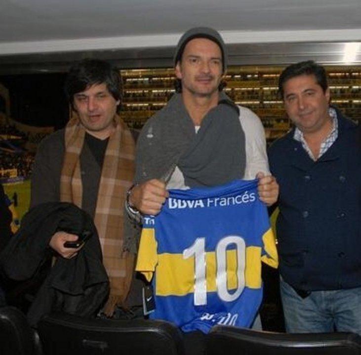 Marcelo Figoli junto a Daniel Angelici y el cantante Ricardo Arjona