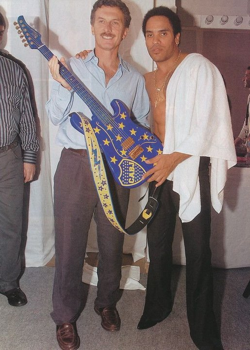 Macri y Lenny Kravitz cuando Fenix Entertainment Group lo llevó a tocar en la Bombonera