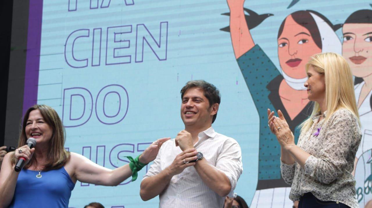 Kicillof participó del acto de cierre por el 8M. Foto: María Clara Rodriguez Barrera (@clararodriguezb)